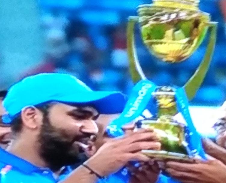 बांग्लादेश को हरा आखिरी गेंद पर भारत चैंपियन