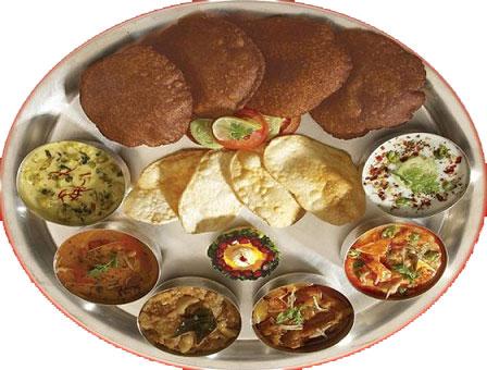 नवरात्री में ट्रेन में मिलेगा फलाहार / व्रत की थाली