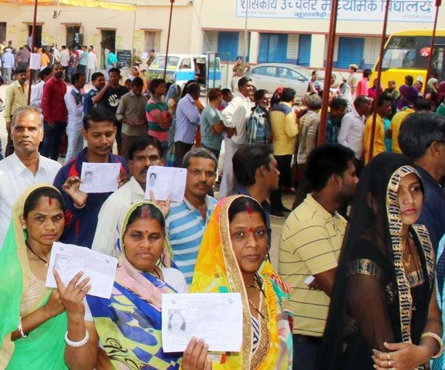 म.प्र. चुनाव 2018 - 67 साल में सबसे ज्यादा 75% वोटिंग