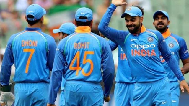 अंतिम ओवर में शंकर का कमाल, ऑस्ट्रेलिया को 8 रन से हराया