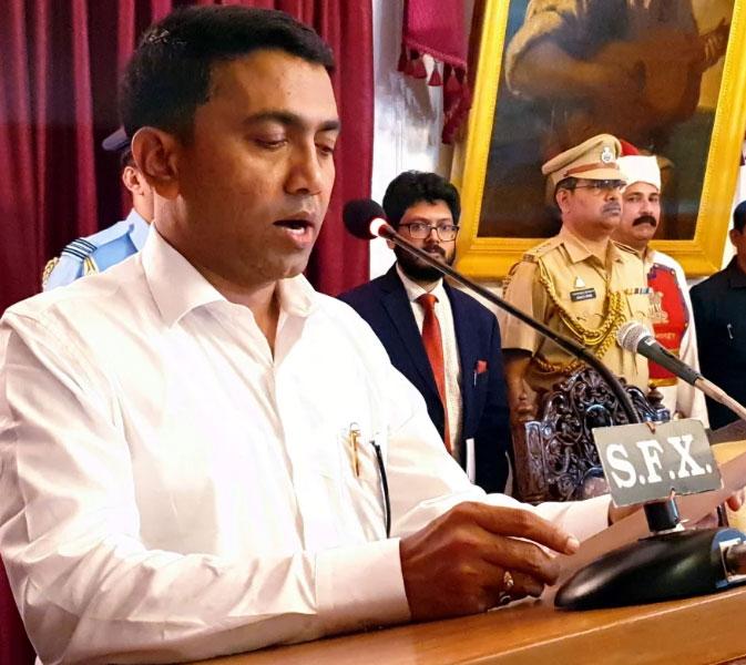 आधी रात में प्रमोद सावंत बने गोवा के 23वें मुख्यमंत्री
