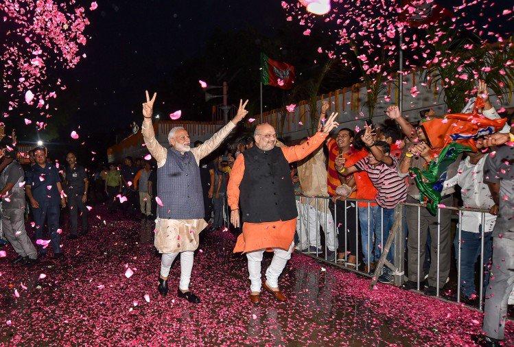 भाजपा अपने दम पर 300 पार, रिकॉर्ड के साथ फिर मोदी सरकार