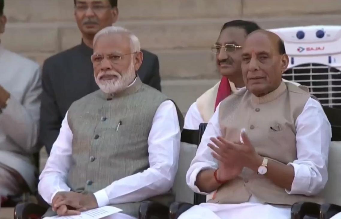 नरेंद्र मोदी 25 कैबिनेट मंत्रियों के दूसरी बार बनें प्रधानमंत्री