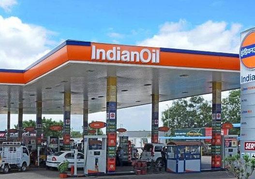 आज से इतना सस्ता हुआ पेट्रोल-डीजल, जानिए आपके शहर में क्या है दाम