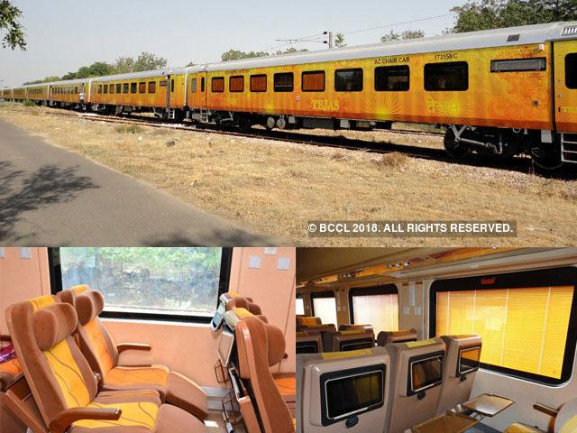 तेजस एक्सप्रेस भारतीय रेलवे की एक लक्ज़री सेमी-हाई स्पीड ट्रेन